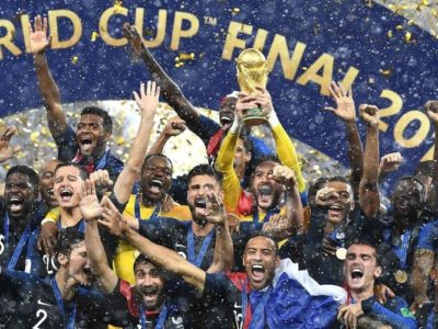 Finale de la coupe du monde – France sacrée championne : sous la pluie, elle éblouit !